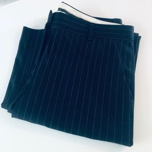 Theory Emery Trouser – Black pinstripe sz 10